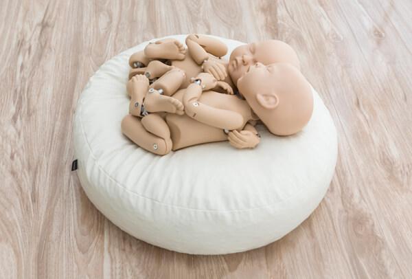 StandInBaby posing beanbag for Newborn photographers